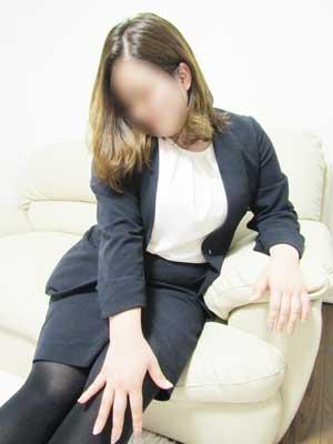 町田人妻デリヘル【熟女の風俗最終章 町田店】ここみ